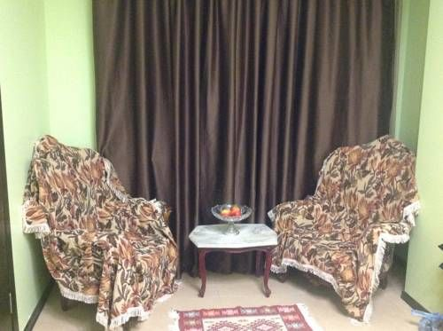 Apartment on Javakhishvili Batumi Located in Batumi, this air-conditioned apartment is 700 metres from Dolphinarium. The unit is 900 metres from Batumi Archeological Museum. Free WiFi is featured throughout the property.