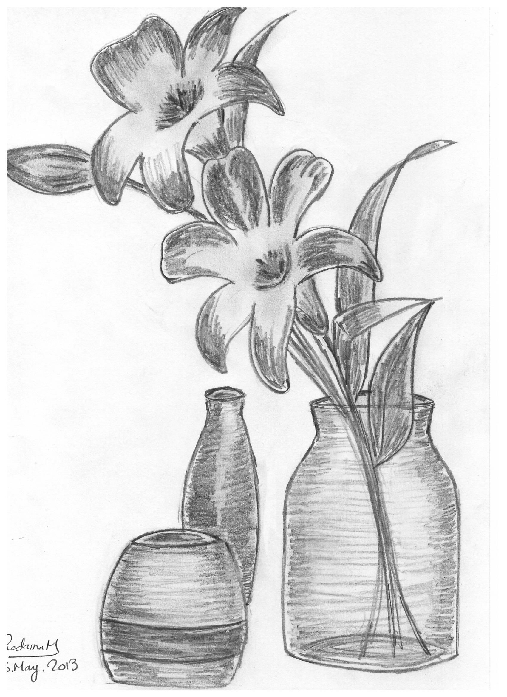 Vase With Roses Drawn In 2013 Vase Flowers Roses Pencil Sketch Pencil Drawings Of Flowers Drawings Rose Sketch