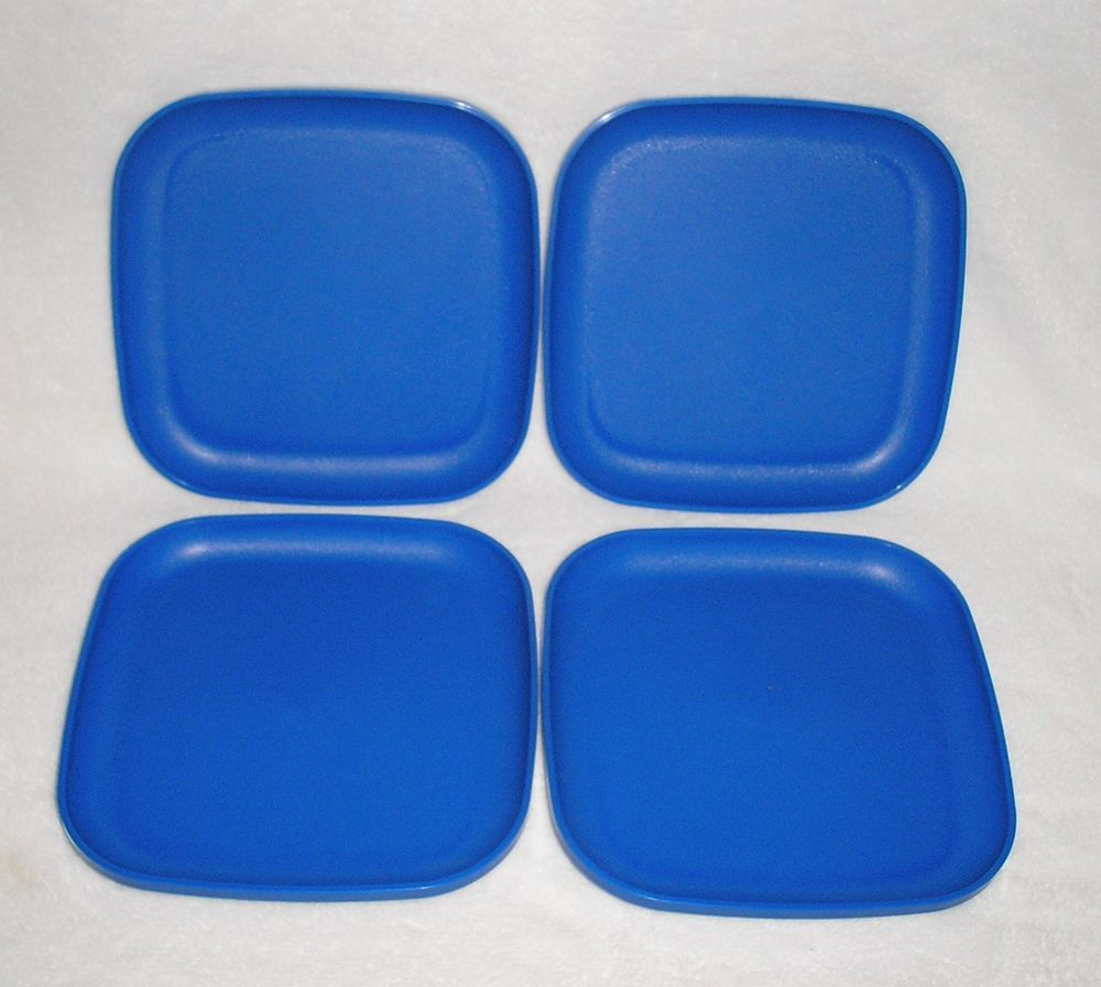 TUPPERWARE 8\  SQUARE PLATES Vintage Ocean Blue Lunch Plate Set/ 4 RETIRED & TUPPERWARE 8\