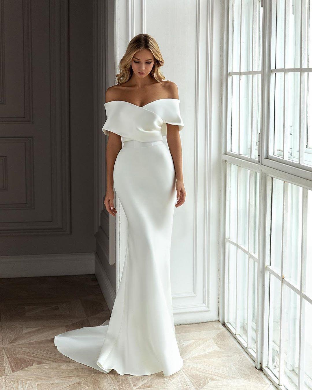 10 Wedding Dress Designers You Will Love Stylish Wedding Dresses Plain Wedding Dress Wedding Dresses [ 1350 x 1080 Pixel ]