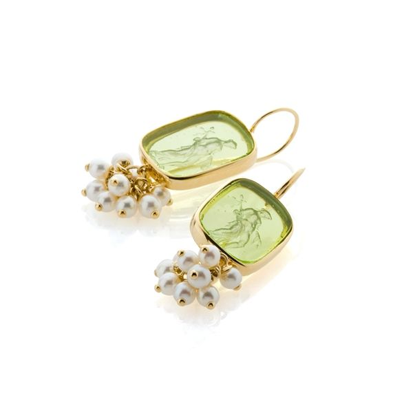 Bahina Venetian glass cameo and pearl earrings
