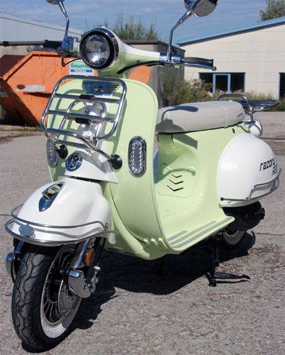 Retro-Roller-Razory-R22-VES-Mofa-Mokick-50ccm-Lindgruen-ClassicCruiser-Motoroller
