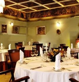 Restauracja Hawelka W Krakowie Table Settings Table