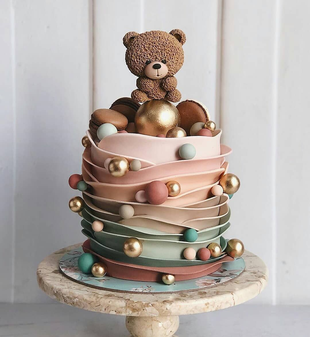 👈️ Follow Cake by @duchess.bakes #cakedecorating #baking ...