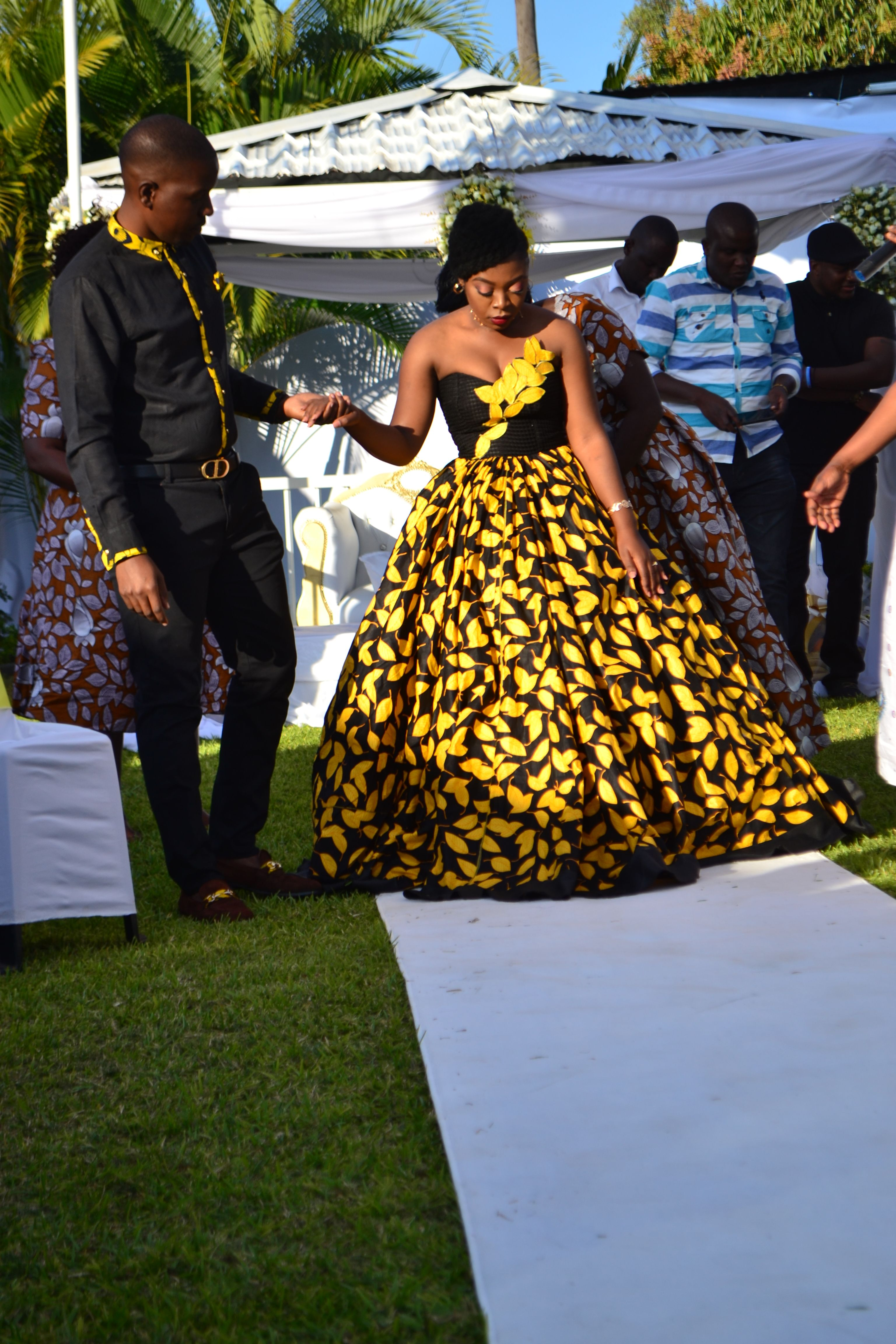 Zambian Kitchen Party African Traditional Wedding Dress African Bride African Wedding Dress [ 4608 x 3072 Pixel ]