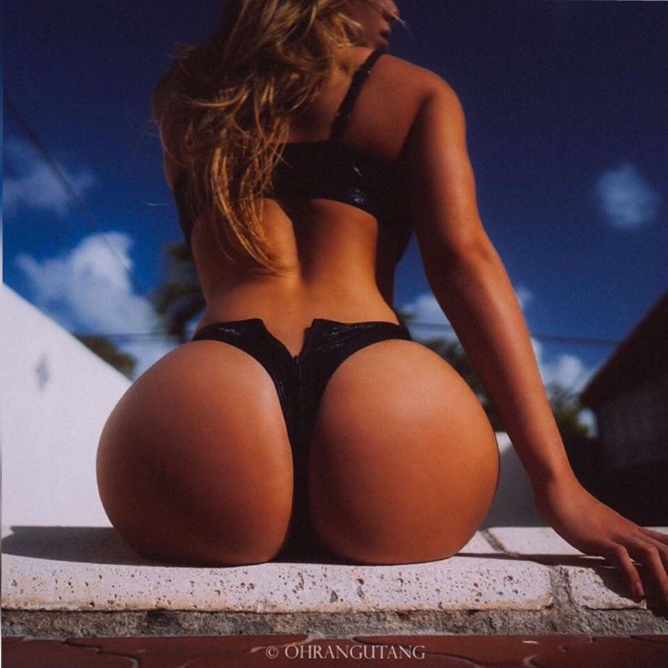 Black Thong Ass For Days Valeria Orsini Mujeres Hermosas Y Mujeres