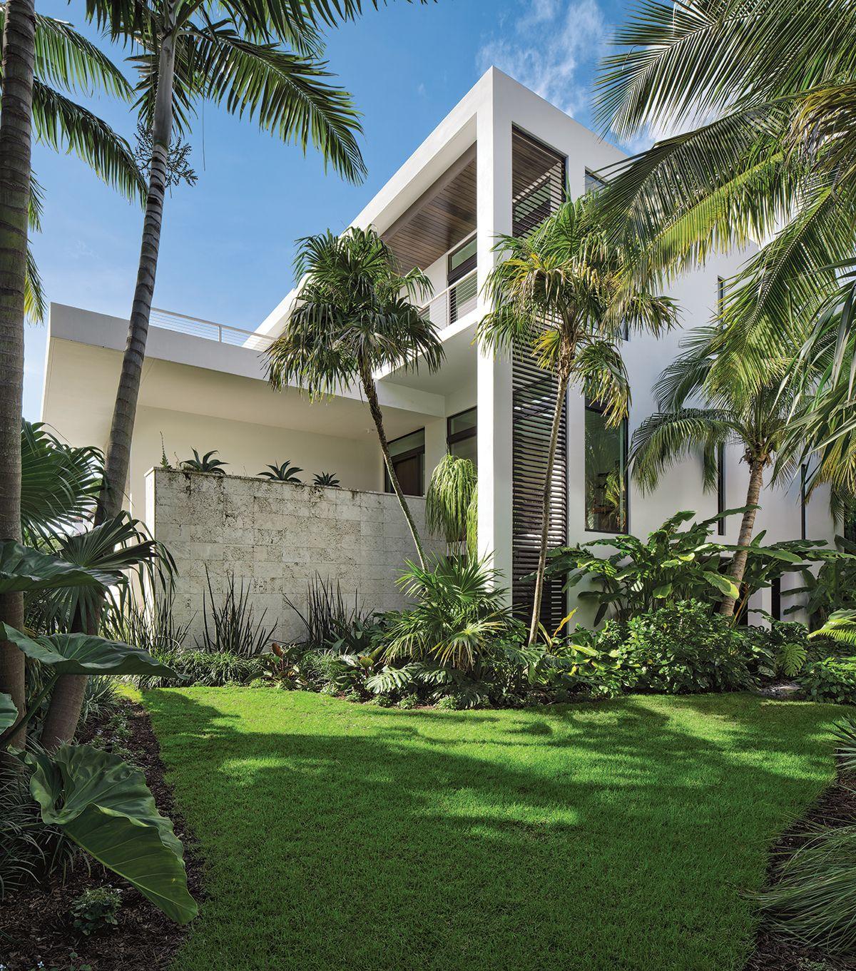 A Mid Century Odyssey In 2020 Architecture Florida Design Modern House Design