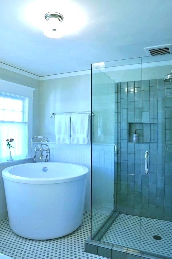 Soaking Tub Shower Combo Tubs Charm And Simplicity In The Bathroom For Small Bathrooms Deco Tub Shower Combo Soaking Tub Shower Combo Bathroom Tub Shower Combo