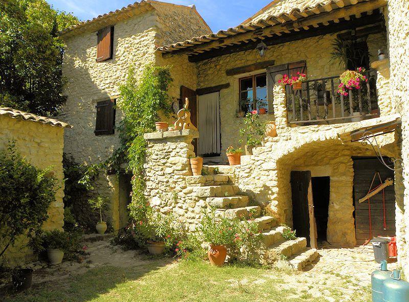 Vente Propriete Oleicole Et Gites En Provence Http Www Immobilier En Luberon Fr Propriete Oleicole Et Gites Terre Agricole Maisons De Charme Luberon Provence