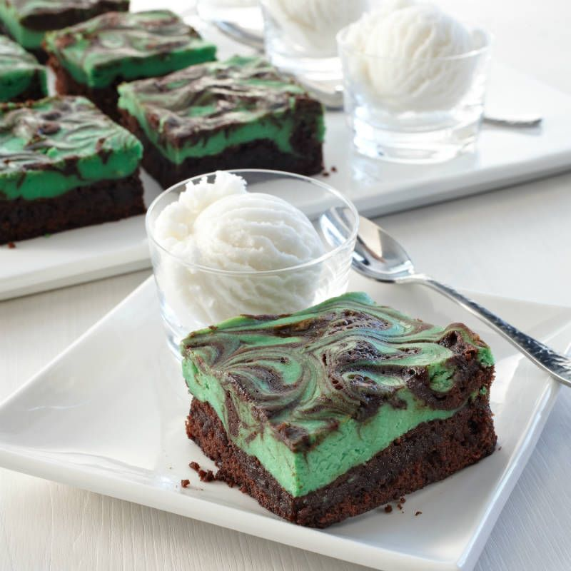 Irish Cream Swirl Brownies | Recipe | Cream liqueur, Green foods and ...