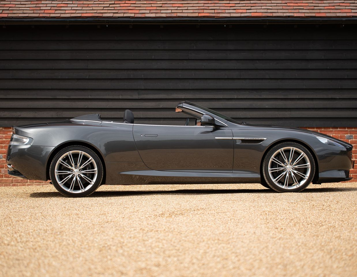 2011 Aston Martin Virage Sportwagen Sport