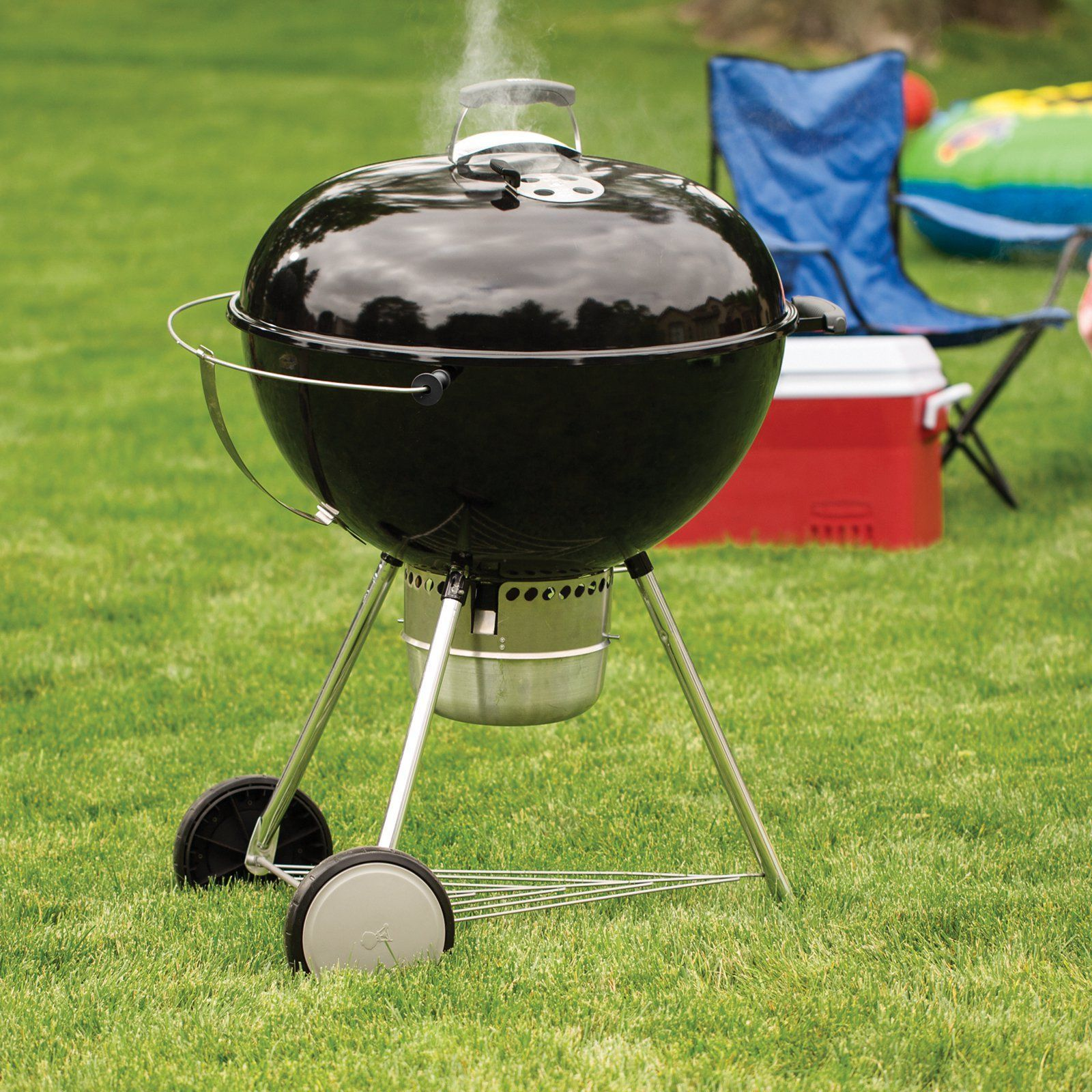 Original Kettle Premium 26 in Charcoal Grill Black