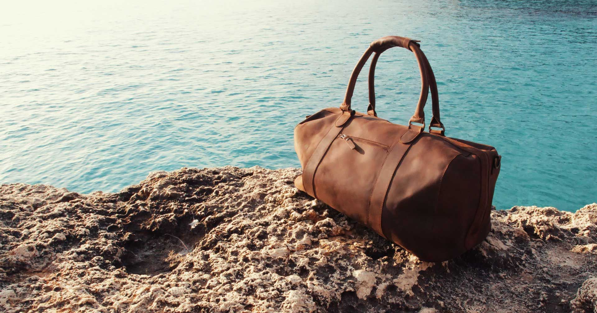 The Perfect Weekender   - GQ. The Willow Duffle bag in Premium ... 88262a8c4c701