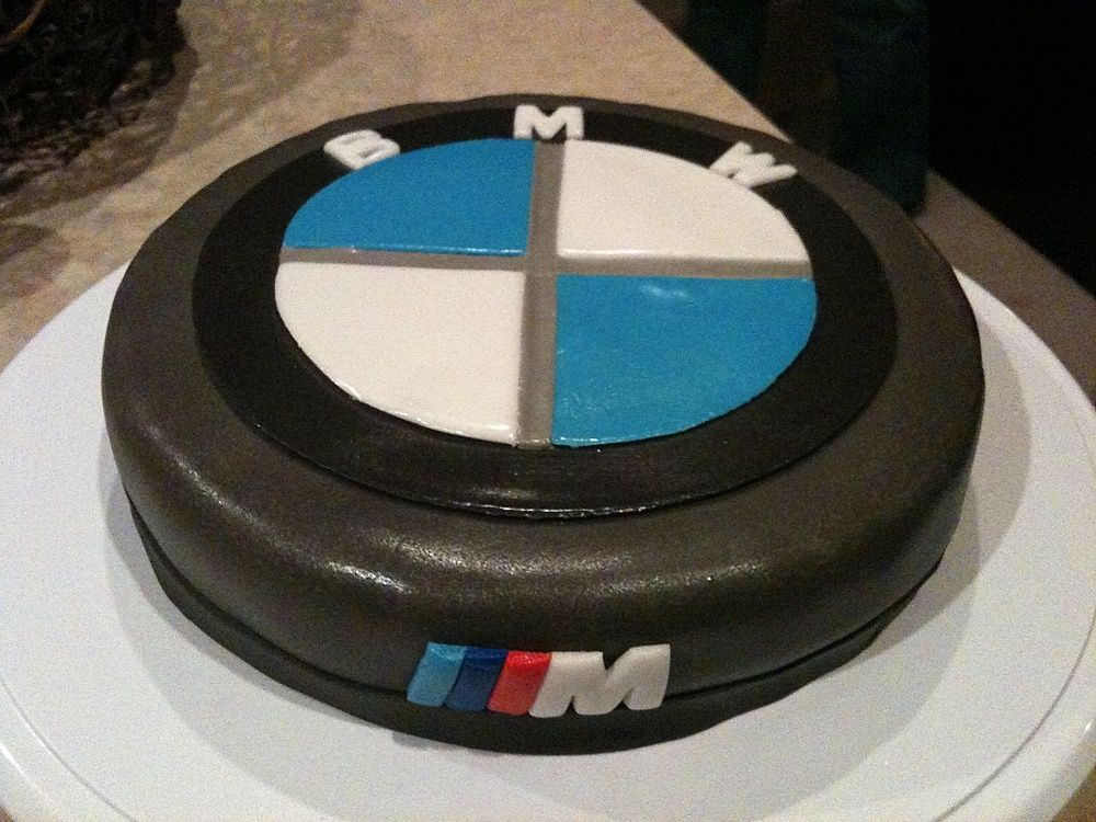 Bmw Logo Cake The M Symbol From This Cake And Freude Am Fahren