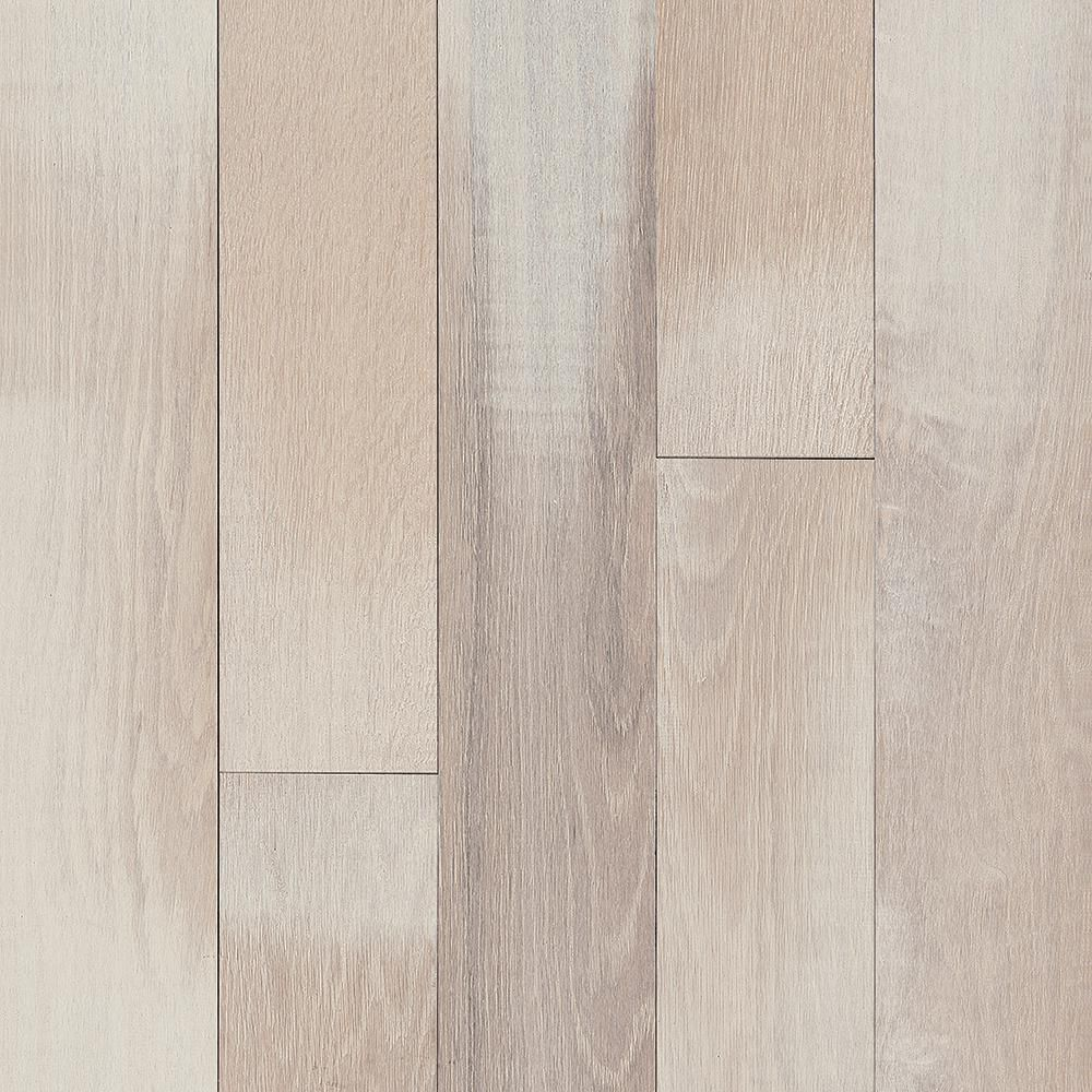 Bruce Tranquil Woods Serene Valley Oak 3 4 In Thick X 5 In W X Varying Length Solid Hardwood Flooring 23 5 Sq Ft Case Stw54sv The Home Depot Solid Hardwood Floors Solid Hardwood Hardwood Floors