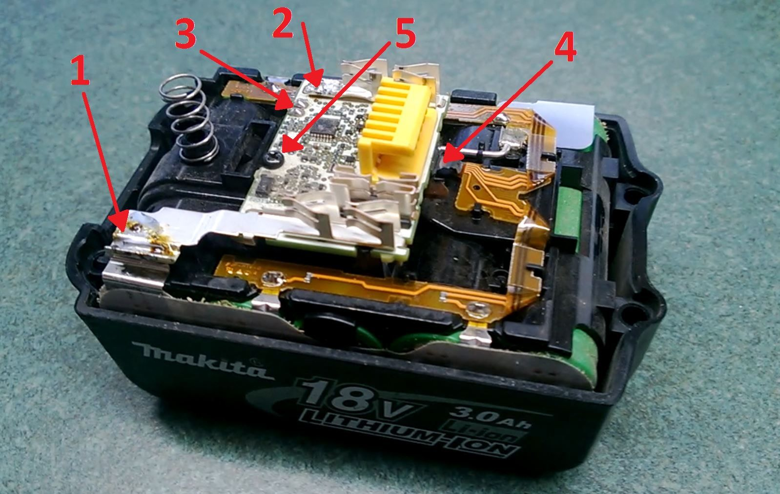 18v Lxt Battery Repair Chip Reset By Ryan Flint April 2013 Introduction The Makita Range Of Battery Power Tool Battery Repair Repair Makita Tools