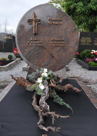 Blumen Elsperger Weiss: Allerheiligen | Blumen Elsperger Weiss - #Allerheiligen #blumen #Elsperger #Weiß #friedhofsdekorationenallerheiligen
