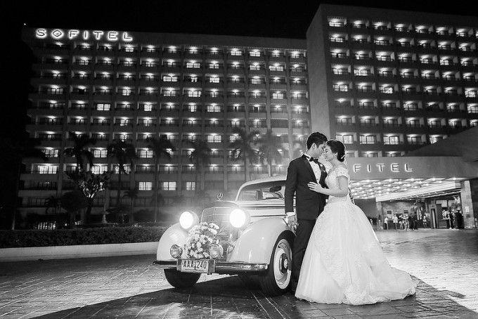 Elegant White Wedding with Shades of Soft Pink in Manila ...