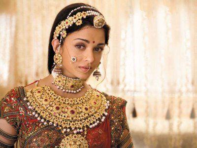Aishwariya Rai In Jodha Akbar Bridal Jewellery Indian Indian Bridal Jewelry Sets South Indian Bridal Jewellery