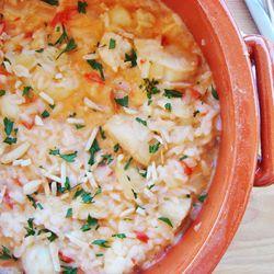 Arroz de peixe com leite de coco e amêndoas