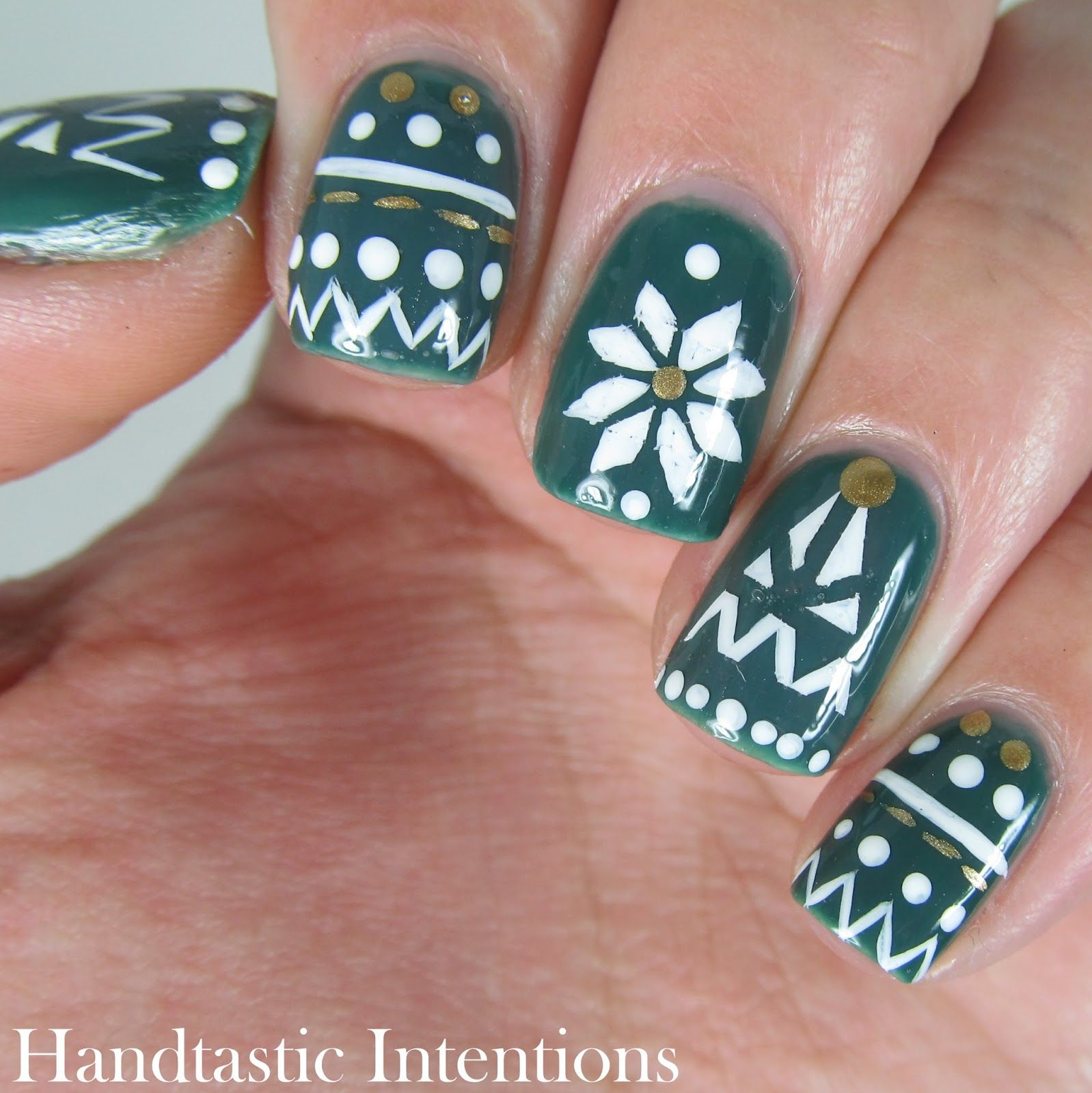 Handtastic Intentions: Christmas Tree Nail Art Ugly Sweater Fair ...