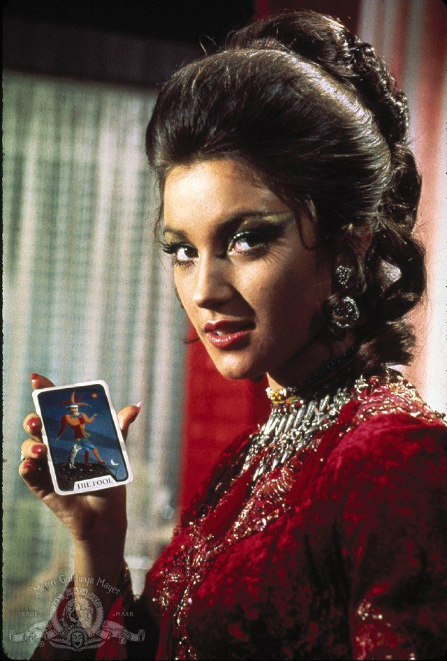 <3 Jane Seymour James Bond Live and Let Die
