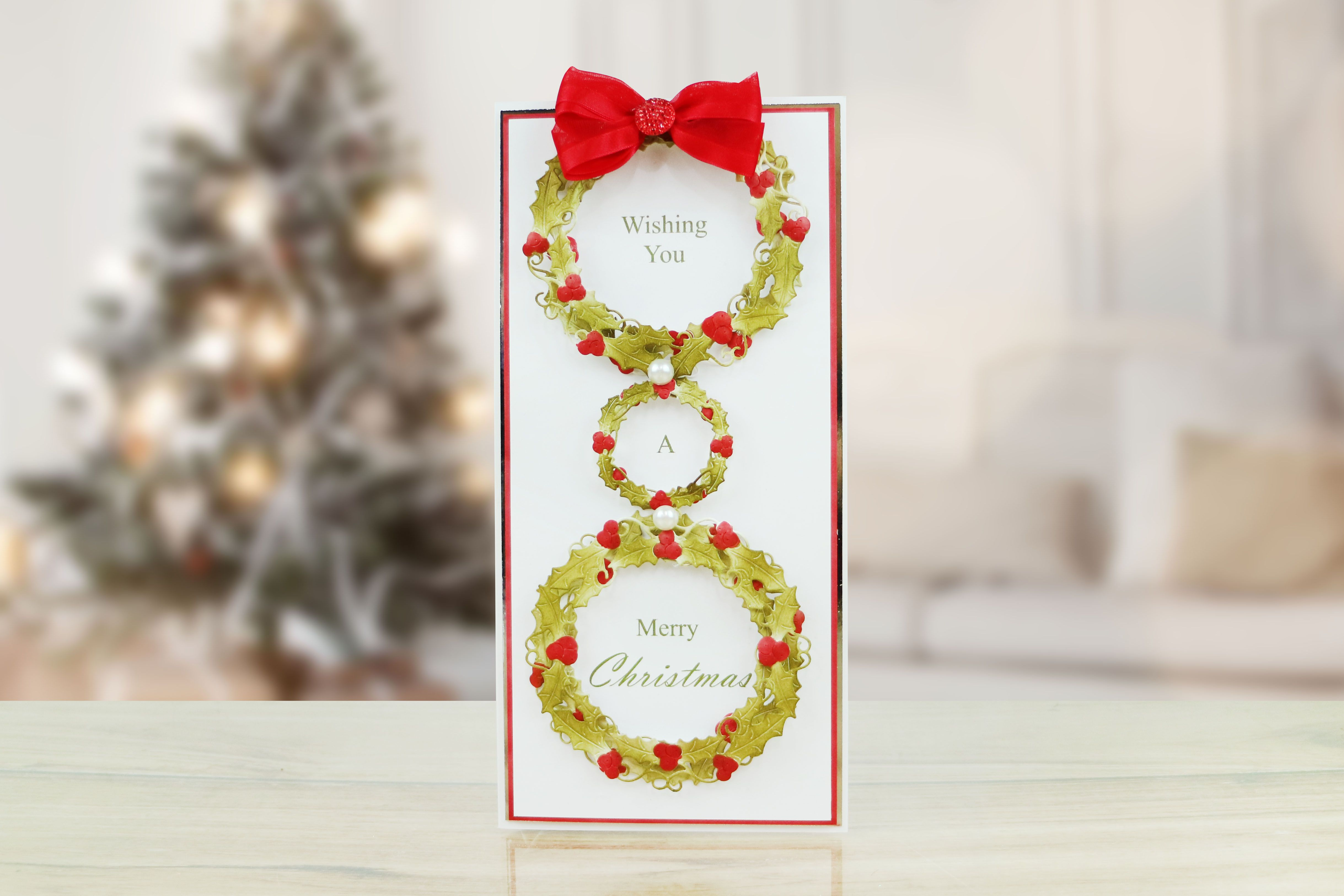 Tld essential circle holly from the fantasy christmas