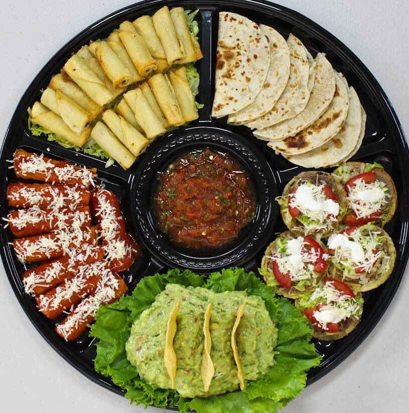 Charola mexicana mini bares de comida pinterest for Comida rapida para invitados
