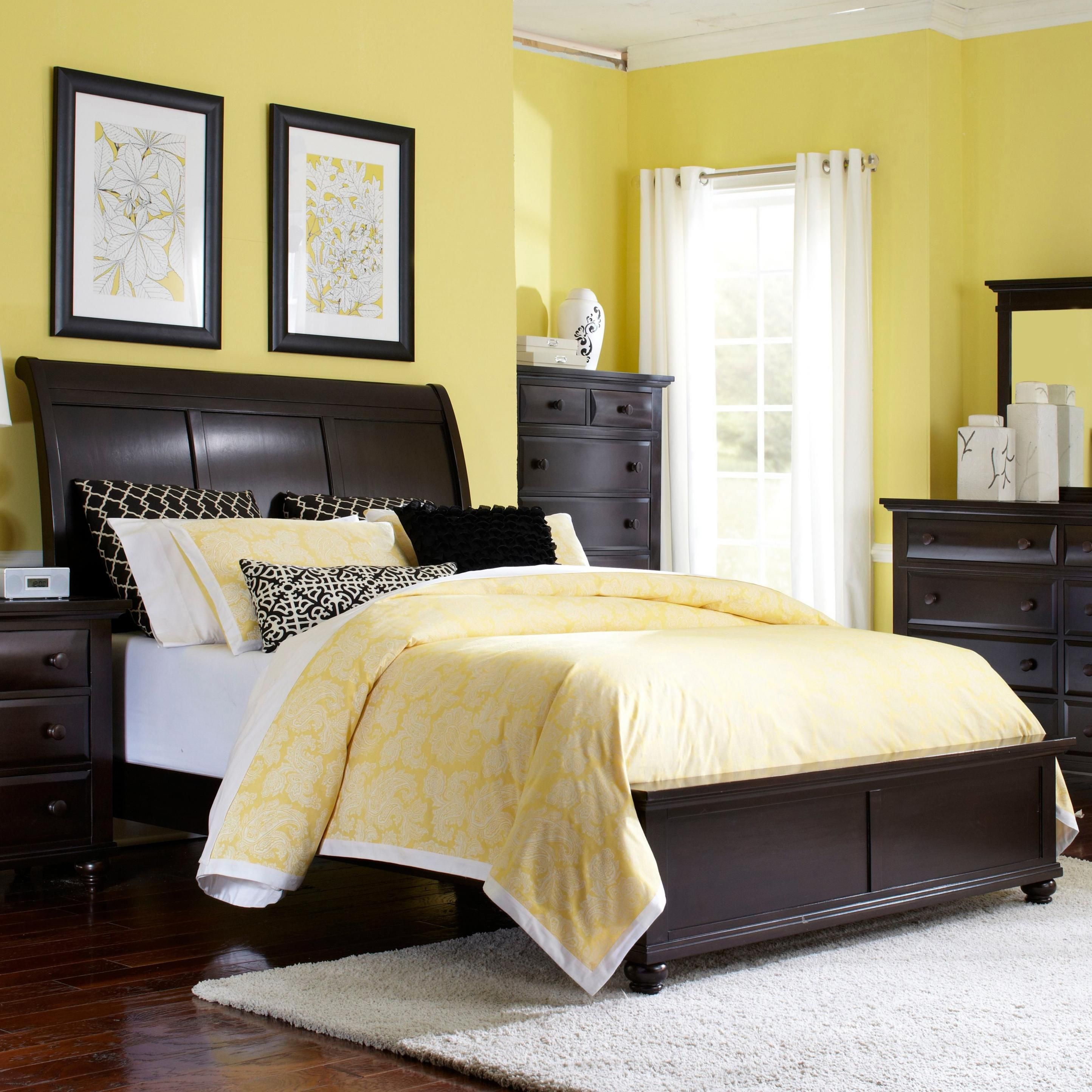 Farnsworth King Sleigh Bed By Broyhill Furniture