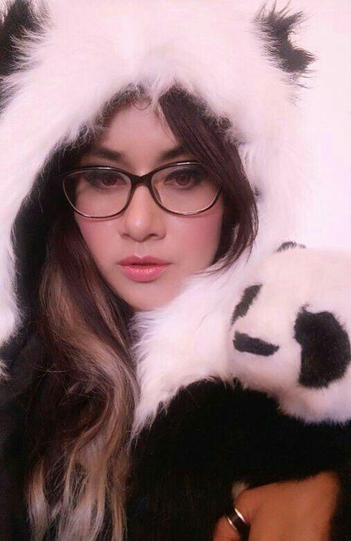 Domingos en mi snapchat (selpioli) y martes en mi Facebook! No dejen de ser parte de mitología con un panda <3  Selene Pinto I Mitología I Mitología con un Panda
