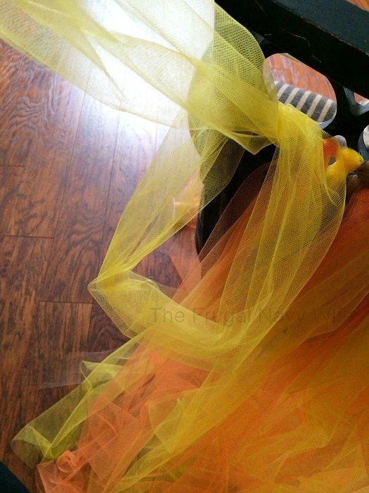 DIY Kids Tutu Scarecrow Costume #scarecrowcostumediy