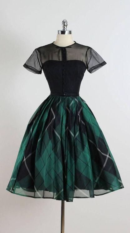 Amazing green vintage dress ideas for wedding guest outfit 3 - Beauty of Wedding 1