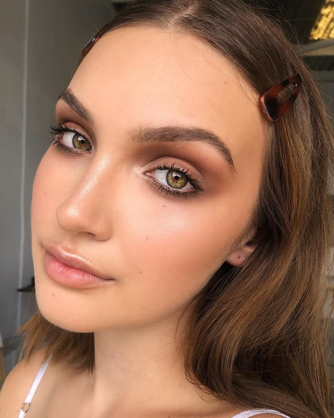 "TANIELLE JAI Makeup Artist on Instagram: ""This cutie!!! @jasminegeex shooting with @brookie_davies Eyeshadows using @viseart nuetral matte palette @lauramercier radiance primer,…"""