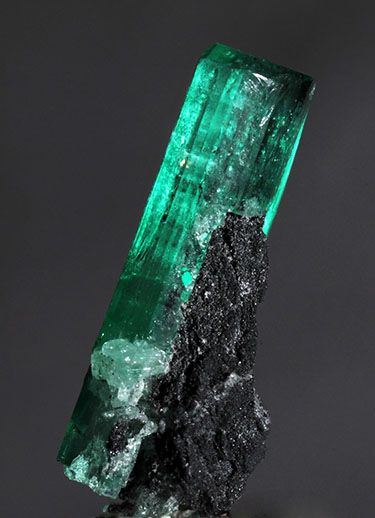 Emerald Crystal On Matrix Mineral Images Emerald