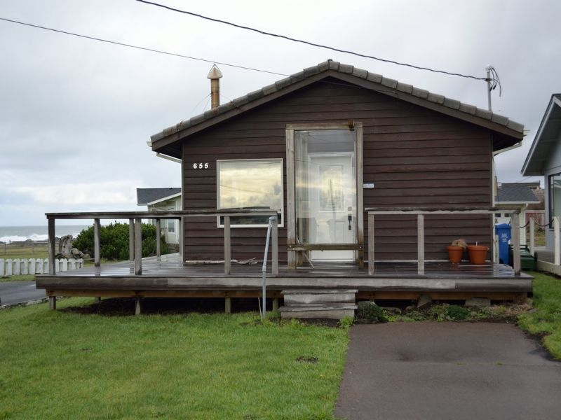 Yachats Rentals Yachats Lodging Oceanview House Oceanside Beach Cottage At Yachats Oregon Beach Vacations Oregon Beaches Oceanside Beach Beach Vacation