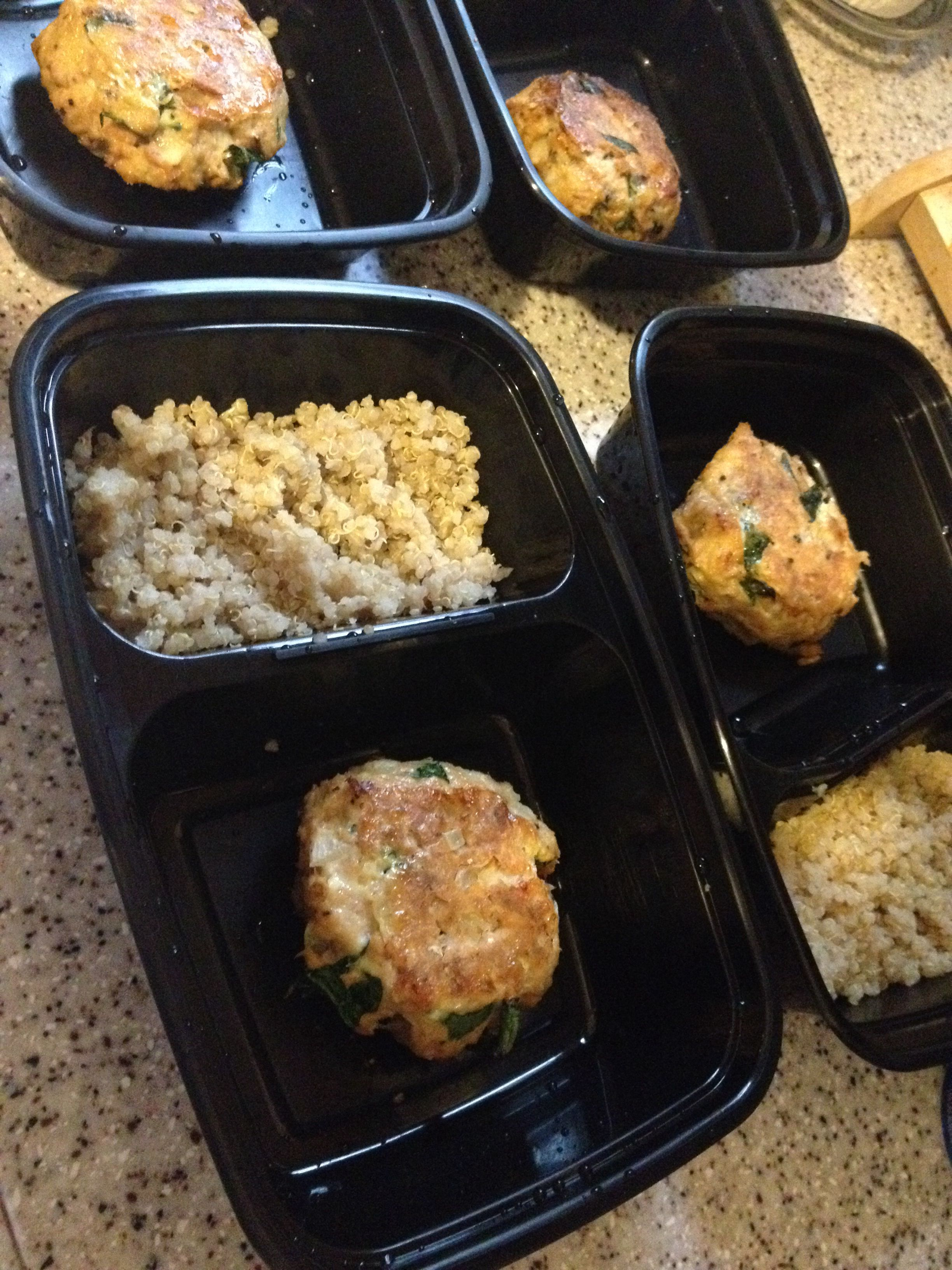 """My mommy's """"Baked not fried Salmon&Spinach Cakes"""" Preheat oven to 375. 1 can of salmon, 1 egg, 2 tbsp evoo, lemon pepper seasoning, fresh cracked black pepper, half an onion diced and a handful of chopped spinach. Spray foiled pan with evoo, mix ingredients, form cakes and place in oven. After 10 minutes, flip, and in 15 minutes viola! -- make enough for the week, some quinoa, and some veggies = lunch for the week!"""