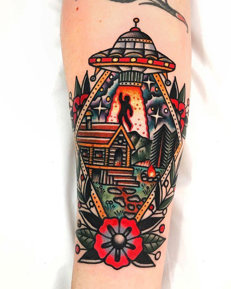 Dani Queipo On Instagram London Sangbleutattoolondon Daniqueipotattoo Hotmail Com Sangbleu Sangbleulondon Hack In 2020 Traditional Tattoo Tattoos Alien Tattoo