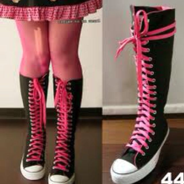 04e253c60402 Knee high converse...black with pink laces!! oh how I LOVE