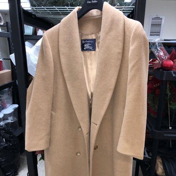 bd70598240438 Burberry Jackets   Blazers - Vintage Burberry Coat