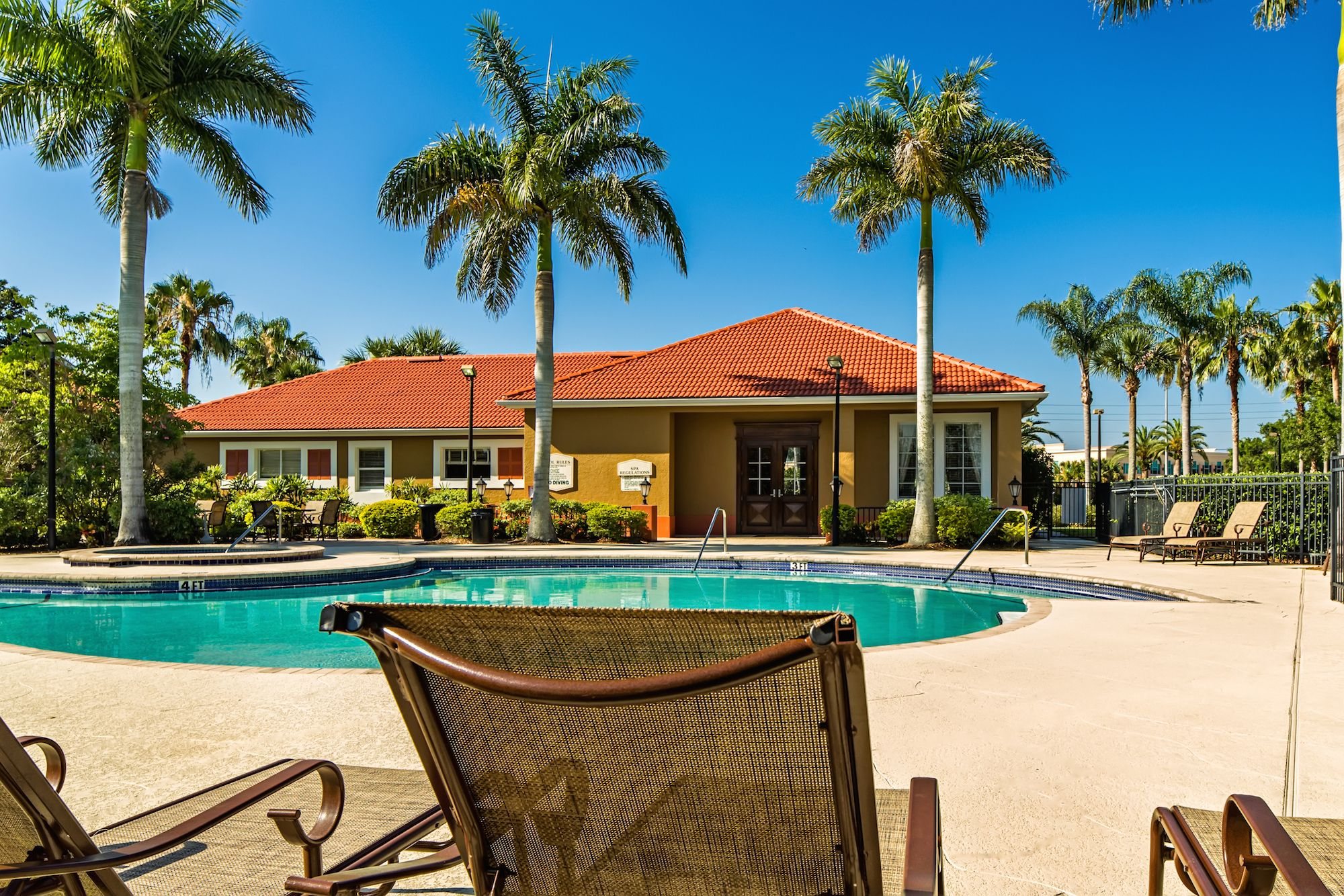 Gateway Lakes Apartments Sarasota FL