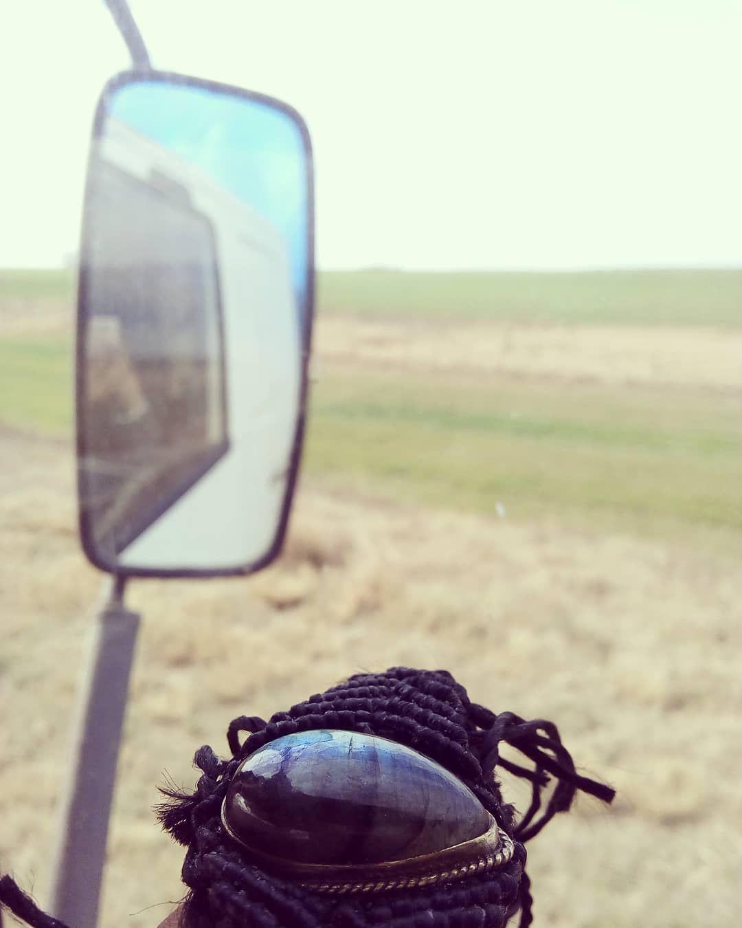 #healingstones #magichaciendo #beauty#style #hitchhiking #hitchhiking #alternative #hippiestyle #argentinas #magiagems #enjoylife #argentine #jewellery #artesanas #adventure #adventure+25 Hitchhiking on the Argentine routes. Doing crafts in the truck. Adventure, love, magic!.Haciendo dedo en las rutas argentinas. Creando artesanas en el camin. Aventura, amor, magia!......#gems