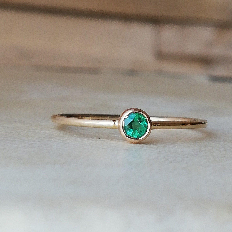 14K Gold Emerald Ring Gemstone Ring 14k Yellow Gold Ring Hammered Emerald Ring Natural Emerald Birthstone Ring Bezel Ring Stacking Ring