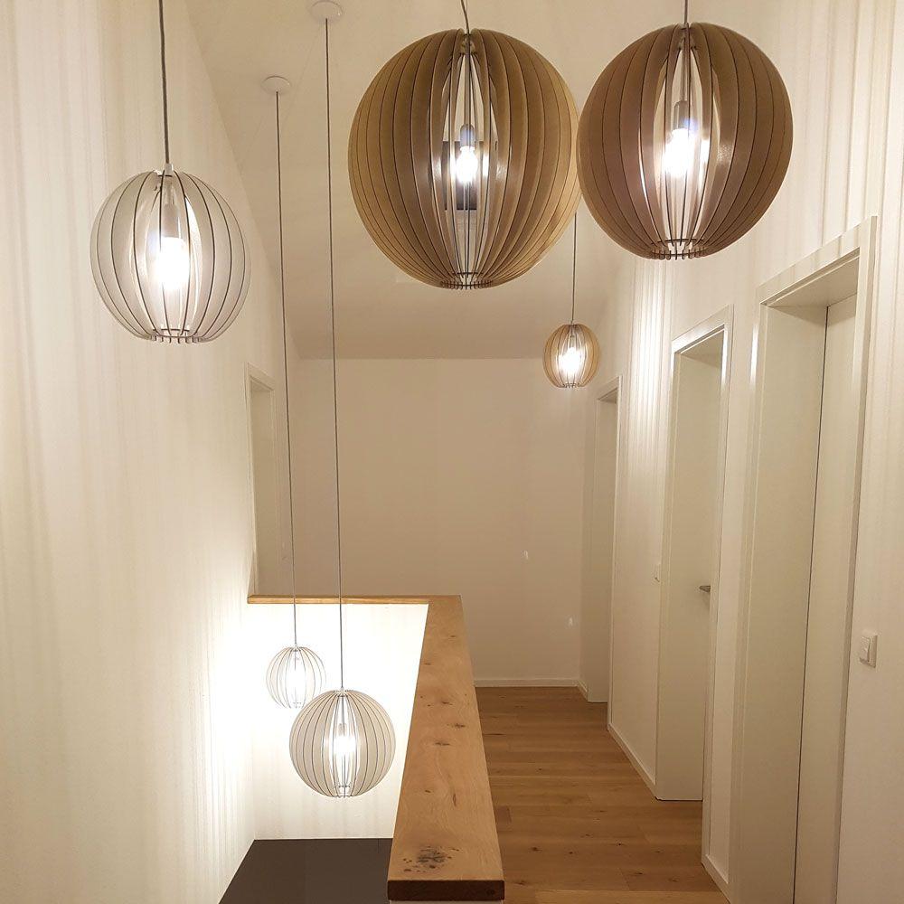 Moderne Galeriebeleuchtung Aus Holz In 2020 Pendelleuchte Leuchten Hangeleuchte