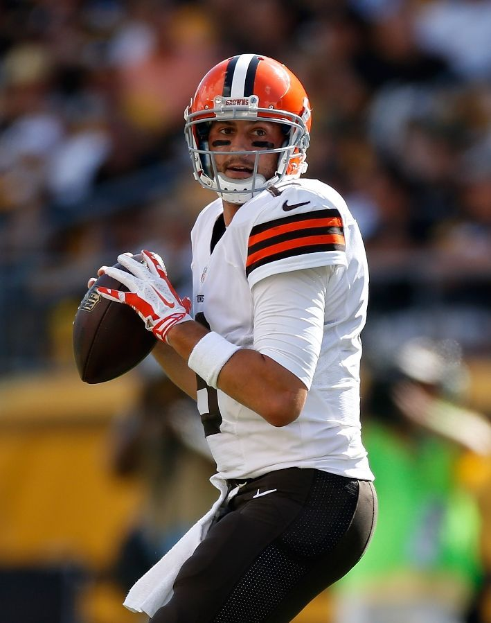 Brian Hoyer Cleveland Browns With Images Cleveland Browns Cleveland Browns Football Browns Football