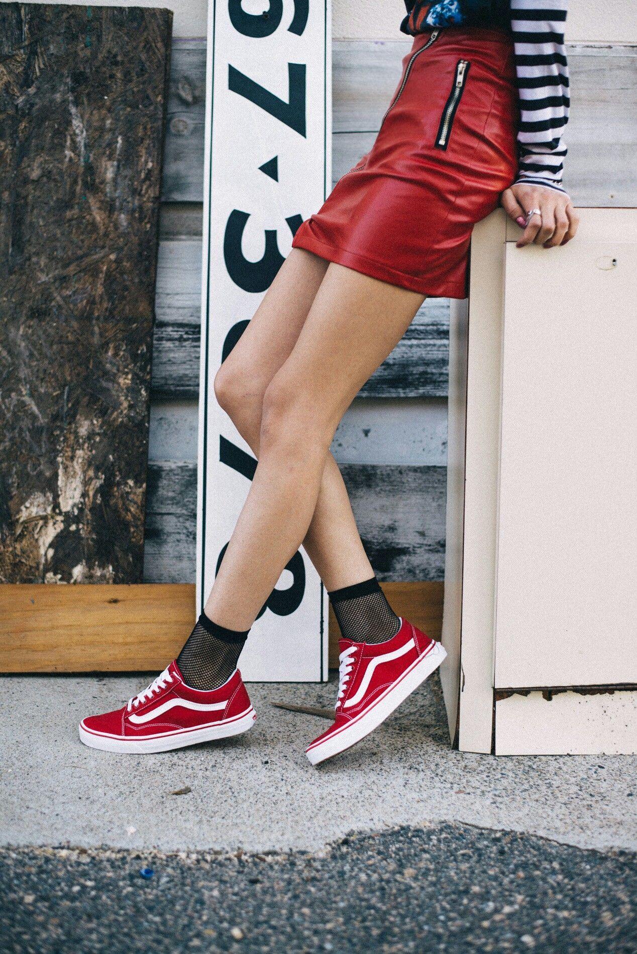 a24a659df8f3a2 Punk femme Red Vans Outfit