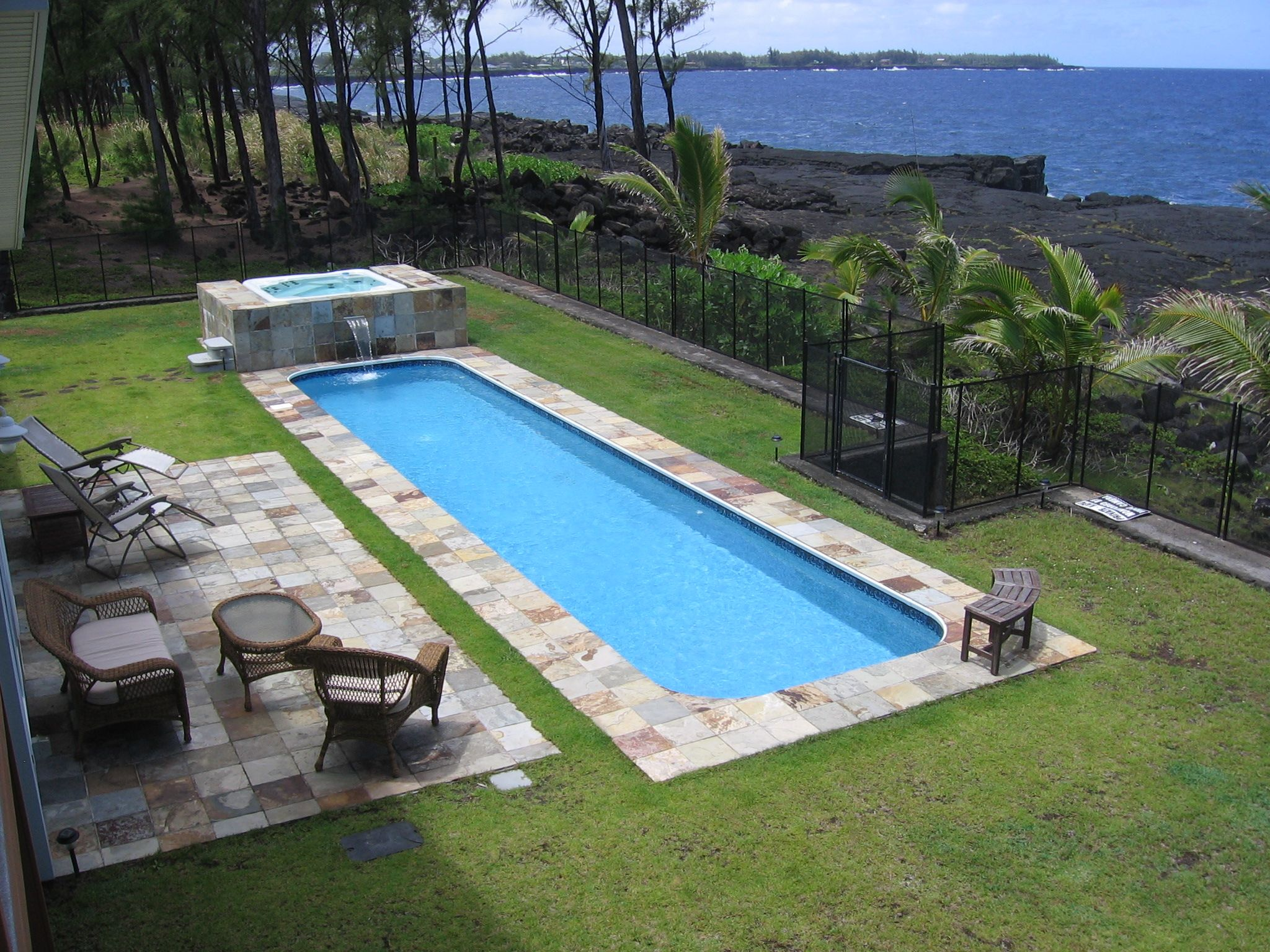 Your Own Sparkling 38 Lap Pool And Hot Tub At Hale Mar Hawaii Hawaii Vacation Rentals Pool Hot Tub House