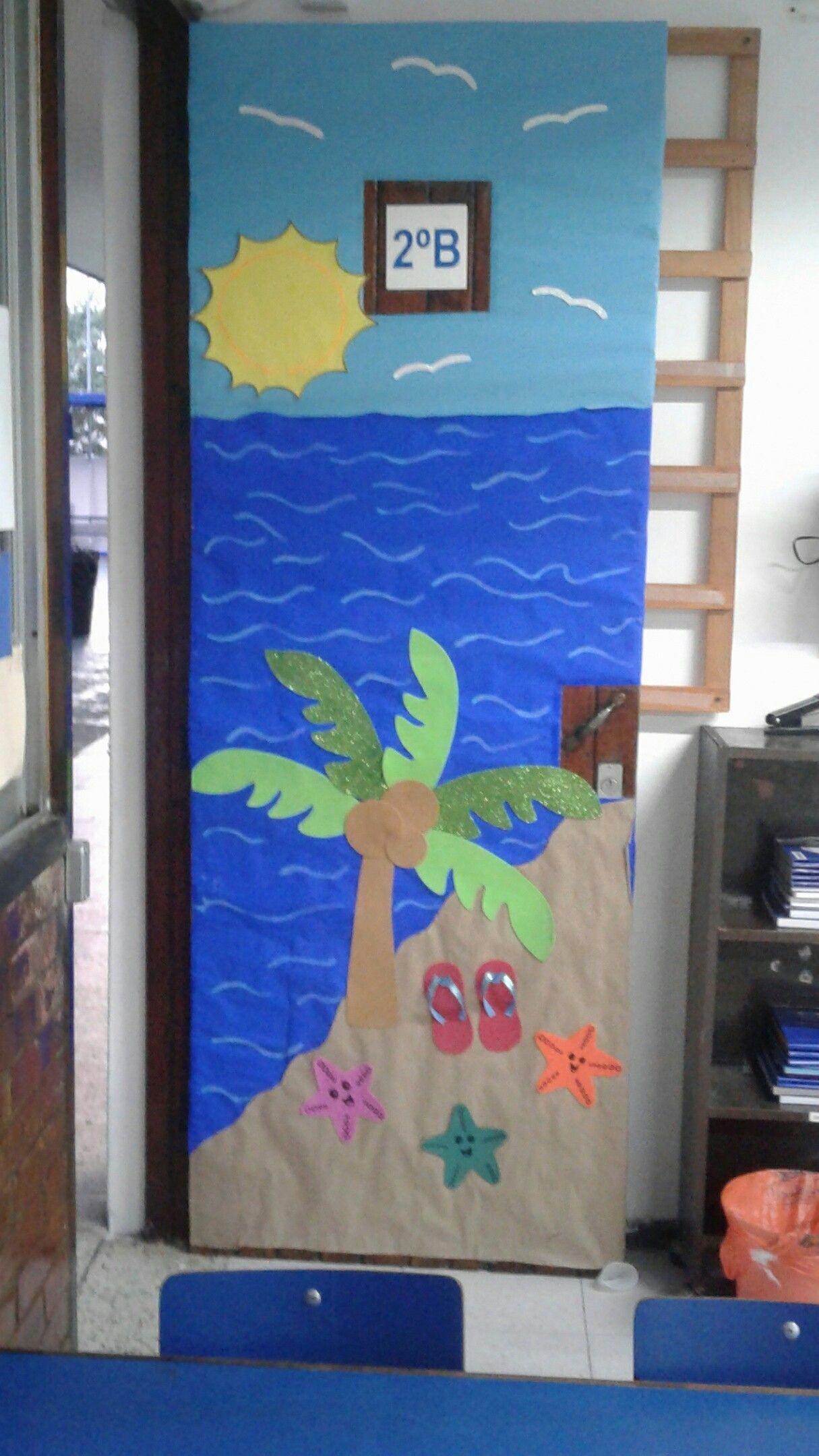Decoraci n puerta sal n playa sal n de clases for Decoracion de puertas de salones