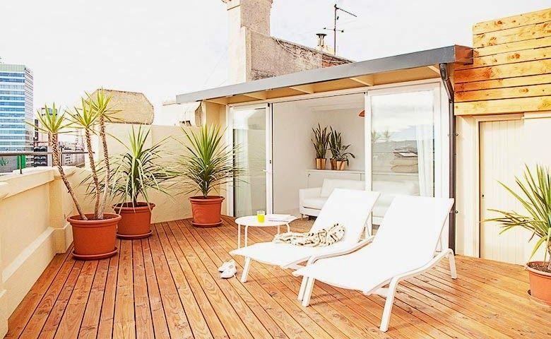 Luz y espacios grandes en este tico de barcelona cosas - Atico terraza barcelona ...
