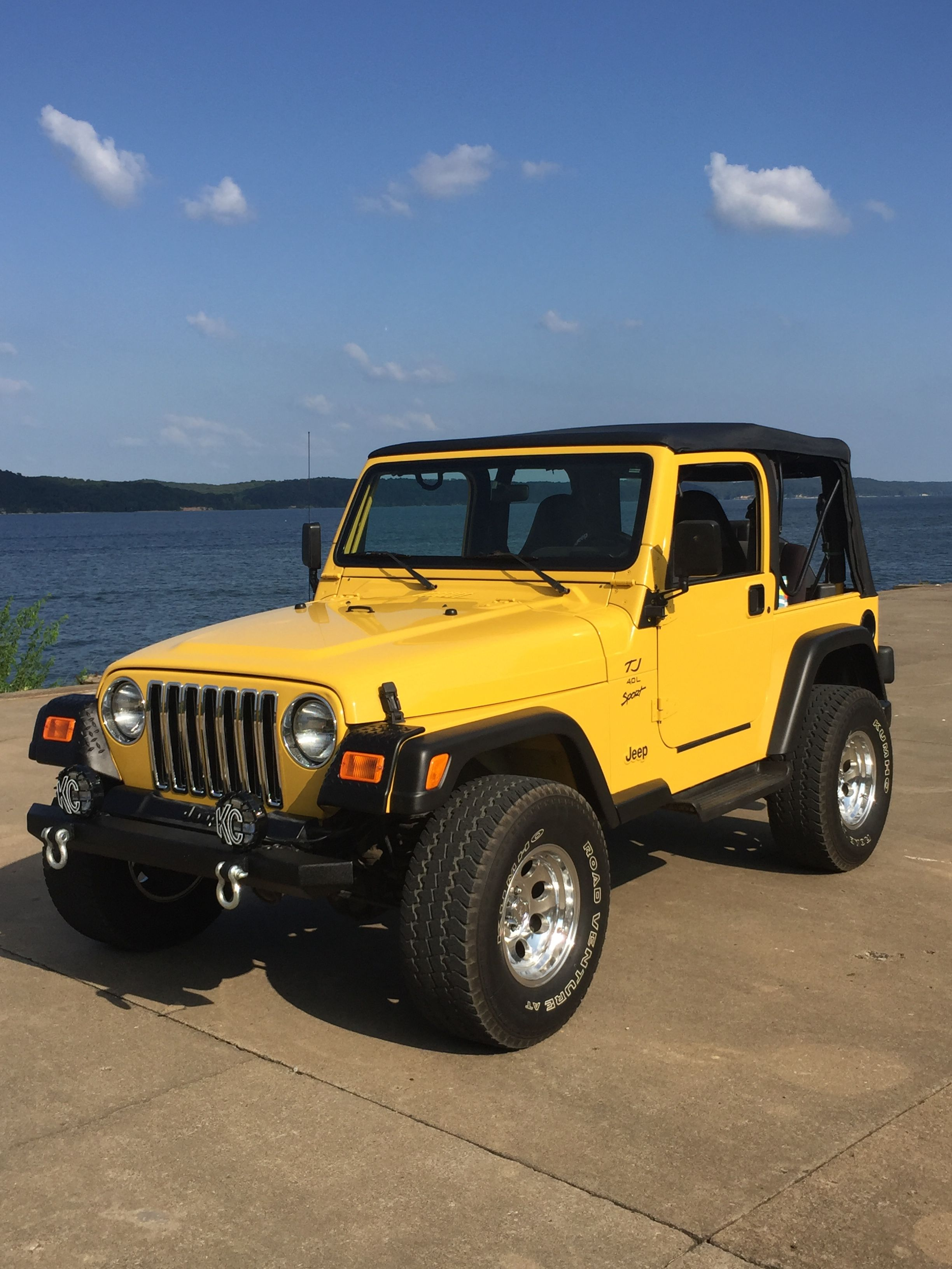 My 2000 TJ Sport. Luv my yellow jeep! Jeep cars, Dream