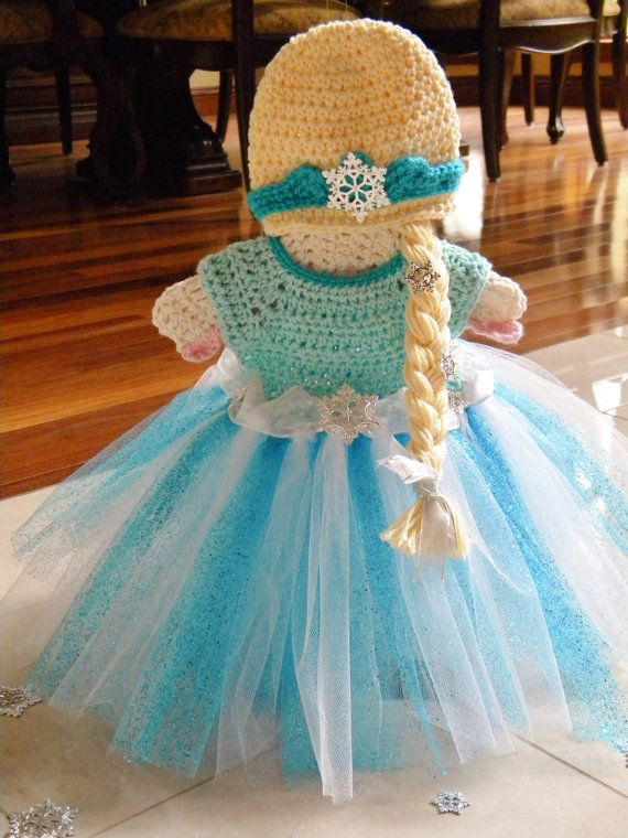 Crochet Disney's Frozen Inspired Queen Elsa Photo Prop Set. Tutu Dress & Hat with Braid.
